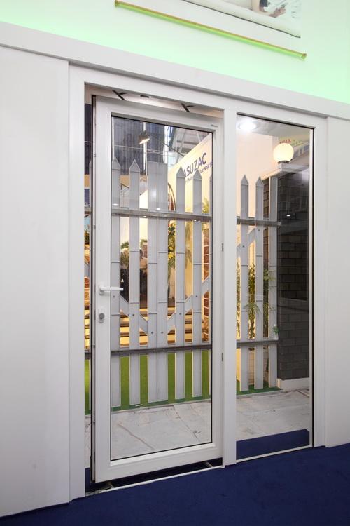 Cửa sổ bằng nhựa uPVC thương hiệu Life Window